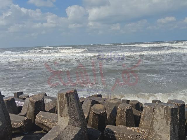 جانب من شاطئ البحر المتوسط بالبرلس