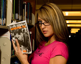 Echecs & livres : retrouvez Jazmin sur notre Page Facebook