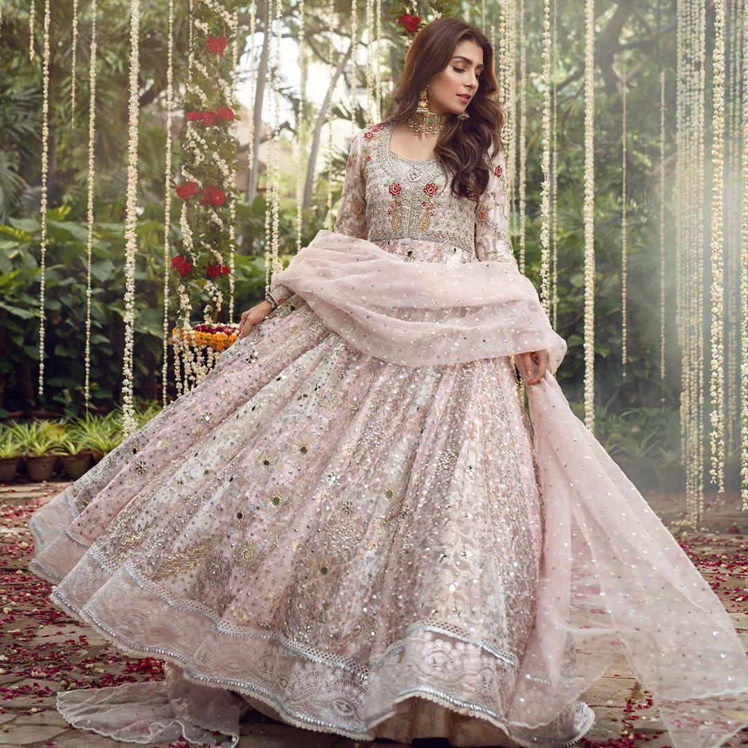 Ayeza Khan Princess Looks from Recent Photo Shoot