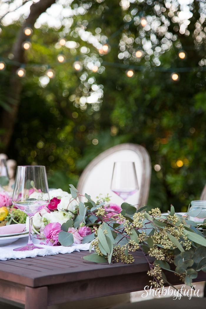 outdoor table photography bokeh