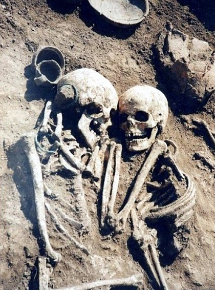 3,000-year-old grave of man and woman locked in 'loving embrace' hides dark secret