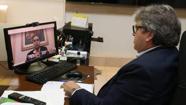 Governadores do NE exigem fim do corte de benefícios do Bolsa Família