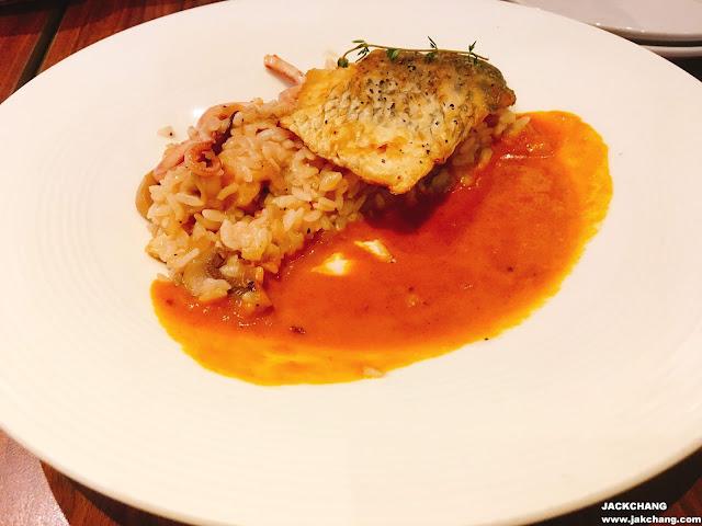 香煎海鱸魚燉飯佐香茄咖喱飯