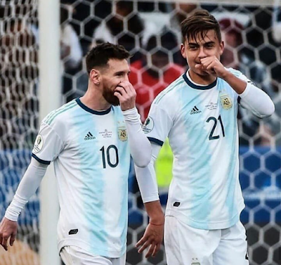 #Dybala With the best!  #messi