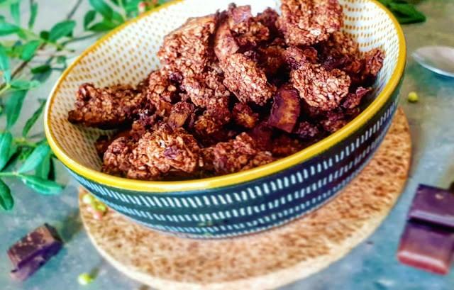 GRANOLA CRUNCHY CHOCOLAT NOIR ET NOIX DE COCO