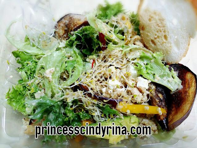 mixed crisp lettuce, avocado, grilled eggplant, quinoa, pumpkin, tofu, sesame seed dressing