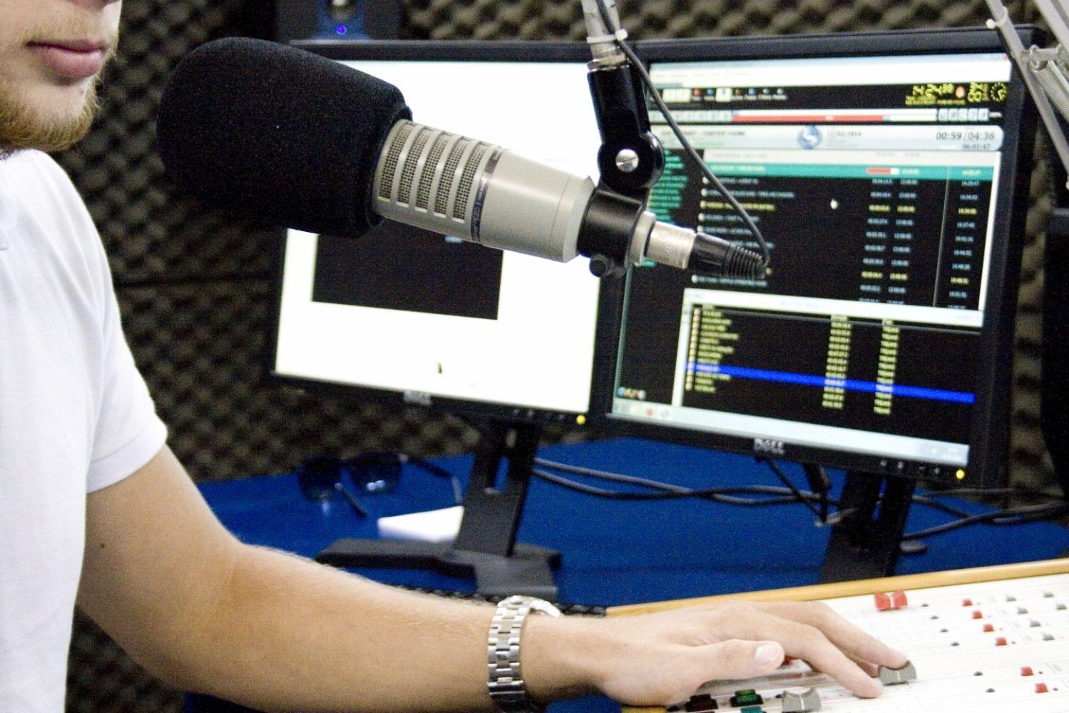 Rádio em Santarém inicia passaralho de 2 dígitos com demissões nesta segunda
