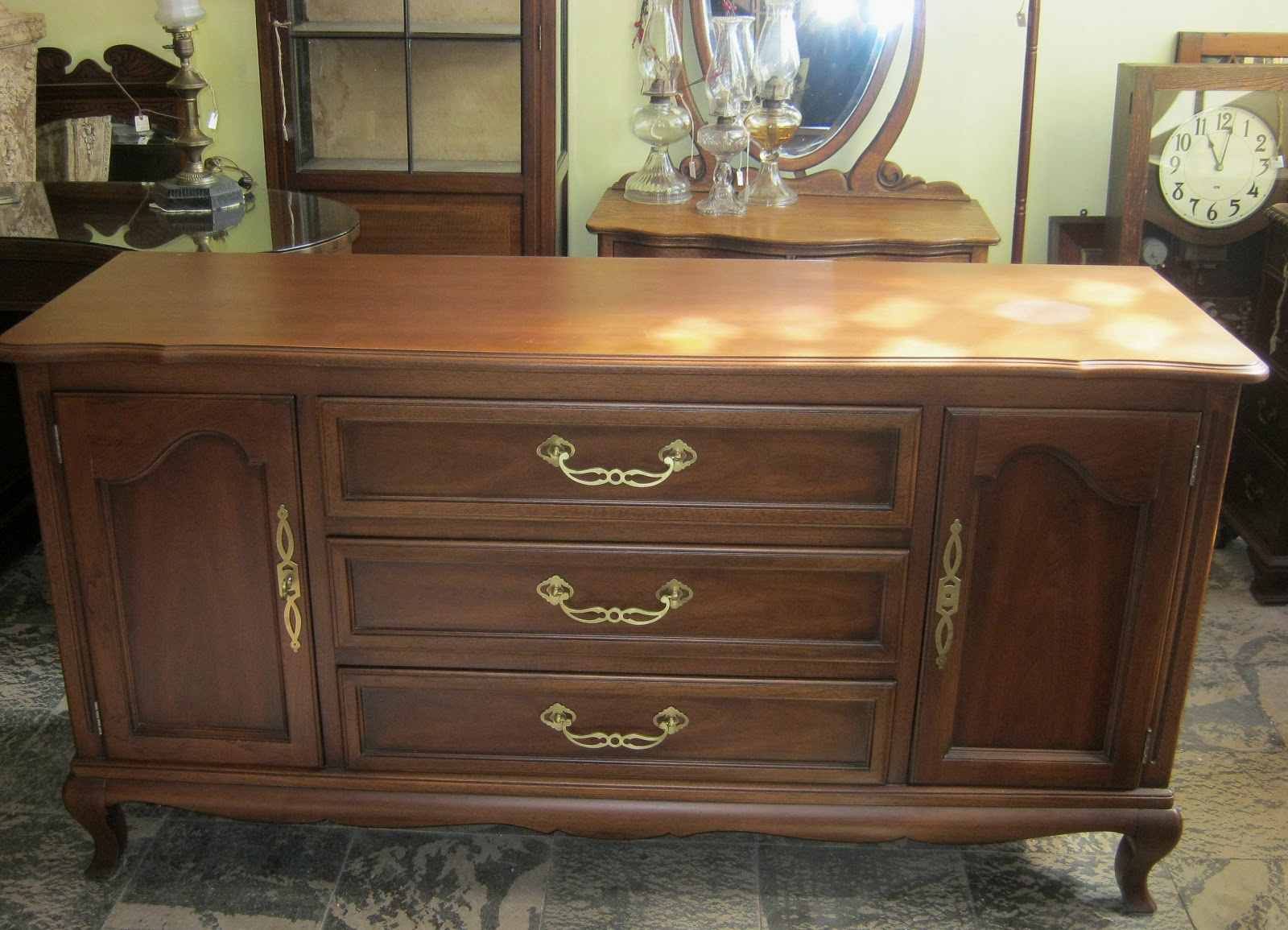 Funk gruven a z french provincial sideboard bathroom - French provincial bathroom vanities ...