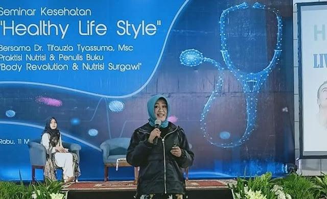 Viral Surat Terbuka Dokter Tifauzia Tyassuma Untuk Jokowi Minta Lockdown