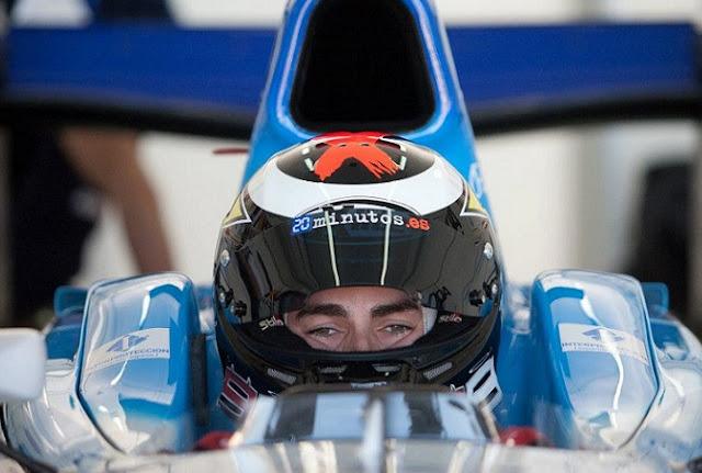 berita motogp Lorenzo Mencoba Mobil F1