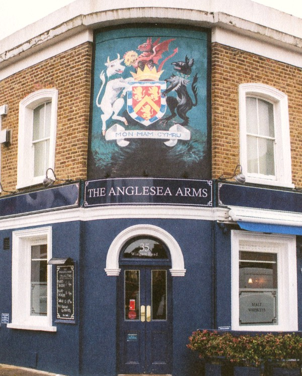 the anglesea arms pub