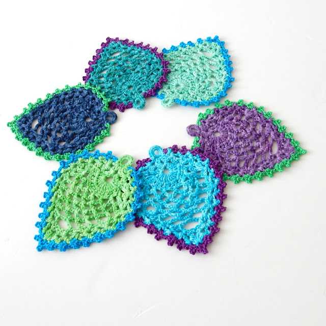 peacock feather coaster free crochet pattern the curio crafts room
