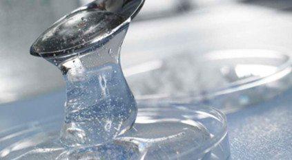 Nếu serum quá đặc, bạn có thể pha loãng với nước cất để giảm độ nhớt.