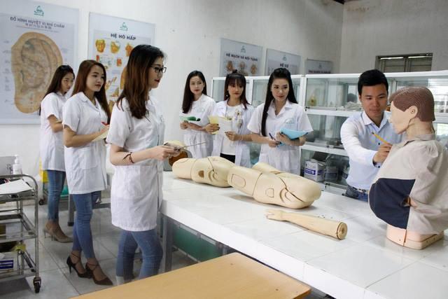 Ngành Hộ sinh giữ vai trò rất cần thiết trong những cơ sở y tế có chuyên khoa sản phụ khoa