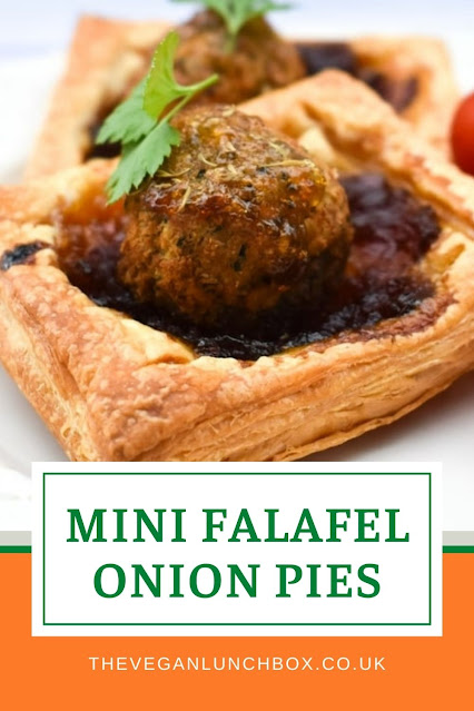 These simple falafel and onion pastry pies are super easy to make and are something different to add to your lunchbox. They are also great for lunches at home and picnics.