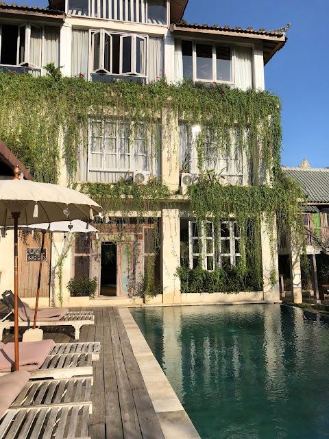 bali hotel pool