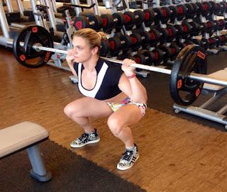Mulher na musculação