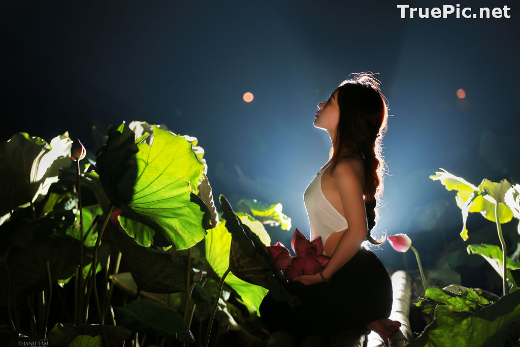 Image Vietnamese Model - Ha Minie - Beauty Girl and Lotus Flower #2 - TruePic.net - Picture-10