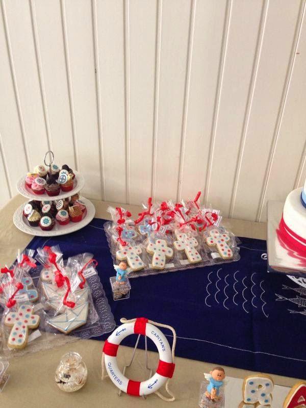 Mais que tartas mesa dulce decoraci n marinera para una for Mesa dulce marinera