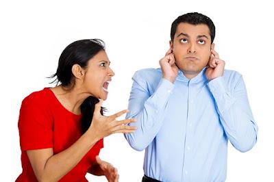 Hindari 3 Hal Ini Saat Berkomunikasi dengan Pasangan