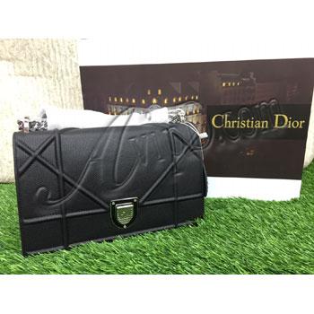 845127d41bdf telah hadir koleksi terbaru dari Christian Dior-Diorama Bag cantik sekali  modelnya