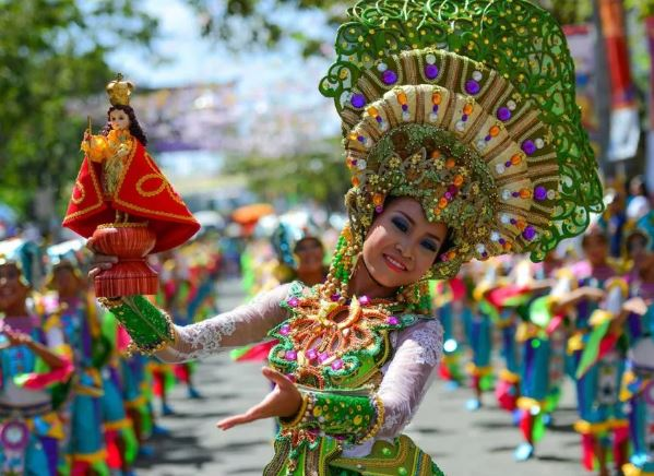 The largest ethnic group in the Philippines