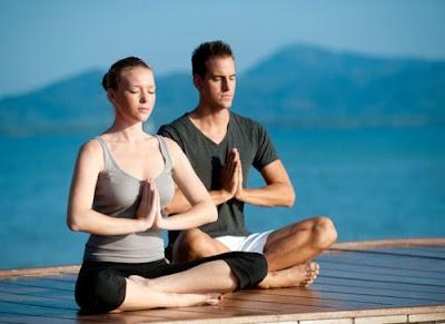 tập yoga cho cả nam và nữ