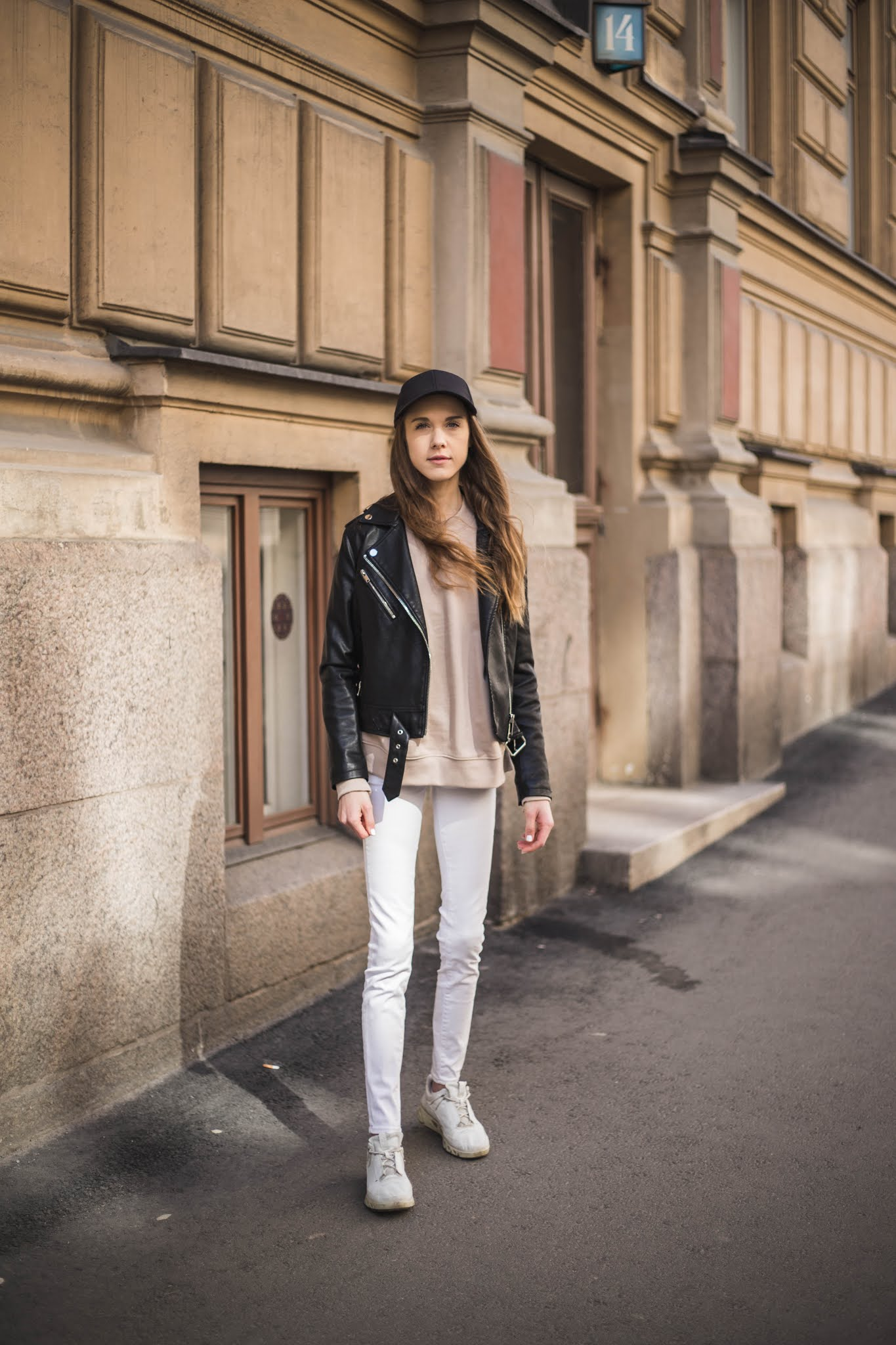 Rento asu lippiksen kanssa // Casual outfit with a cap