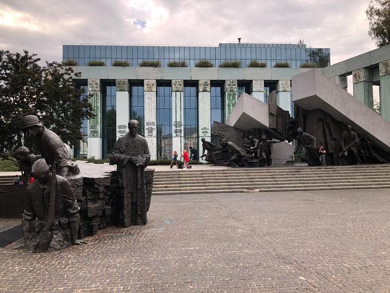 monumento-alzamiento-varsovia-lugares-imprescindibles