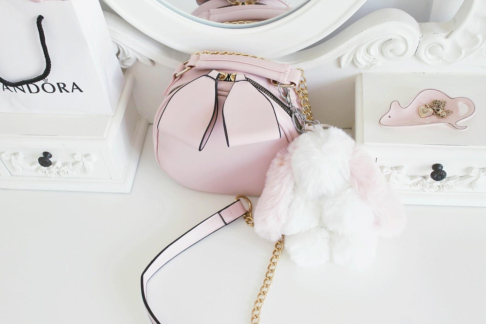 Girly beauty tips, girly aesthetic makeup blog