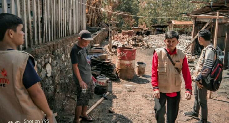 Peduli Kemanusiaan, Lazismu Bone Salurkan Bantuan Kepada Korban Kebakaran di Lappariaja
