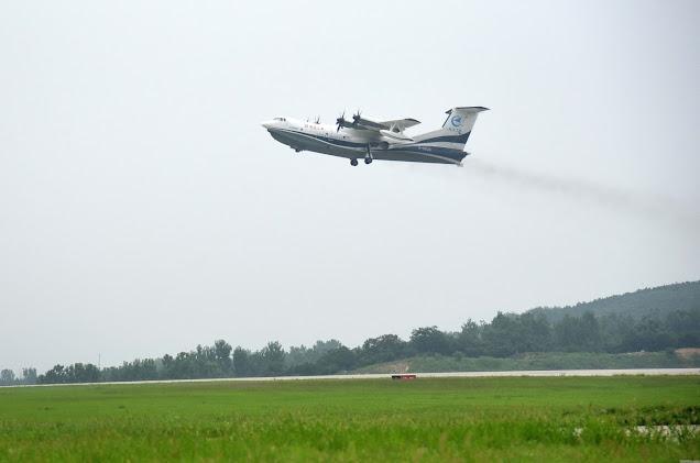 Hình ảnh thực tế thủy phi cơ AG600 lúc cất cánh