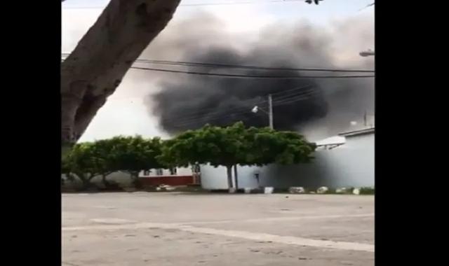 VIDEO.- Así fue como en cerca de 50 Camionetas Sicarios de La Nueva Familia Michoacan, Los Viagras entraron a base de Guardia Nacional aprovecharon que andaban en operativo y se robaron municiones y armas