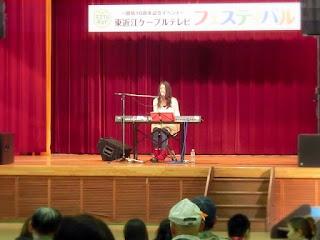 佐合井マリ子さんのステージ