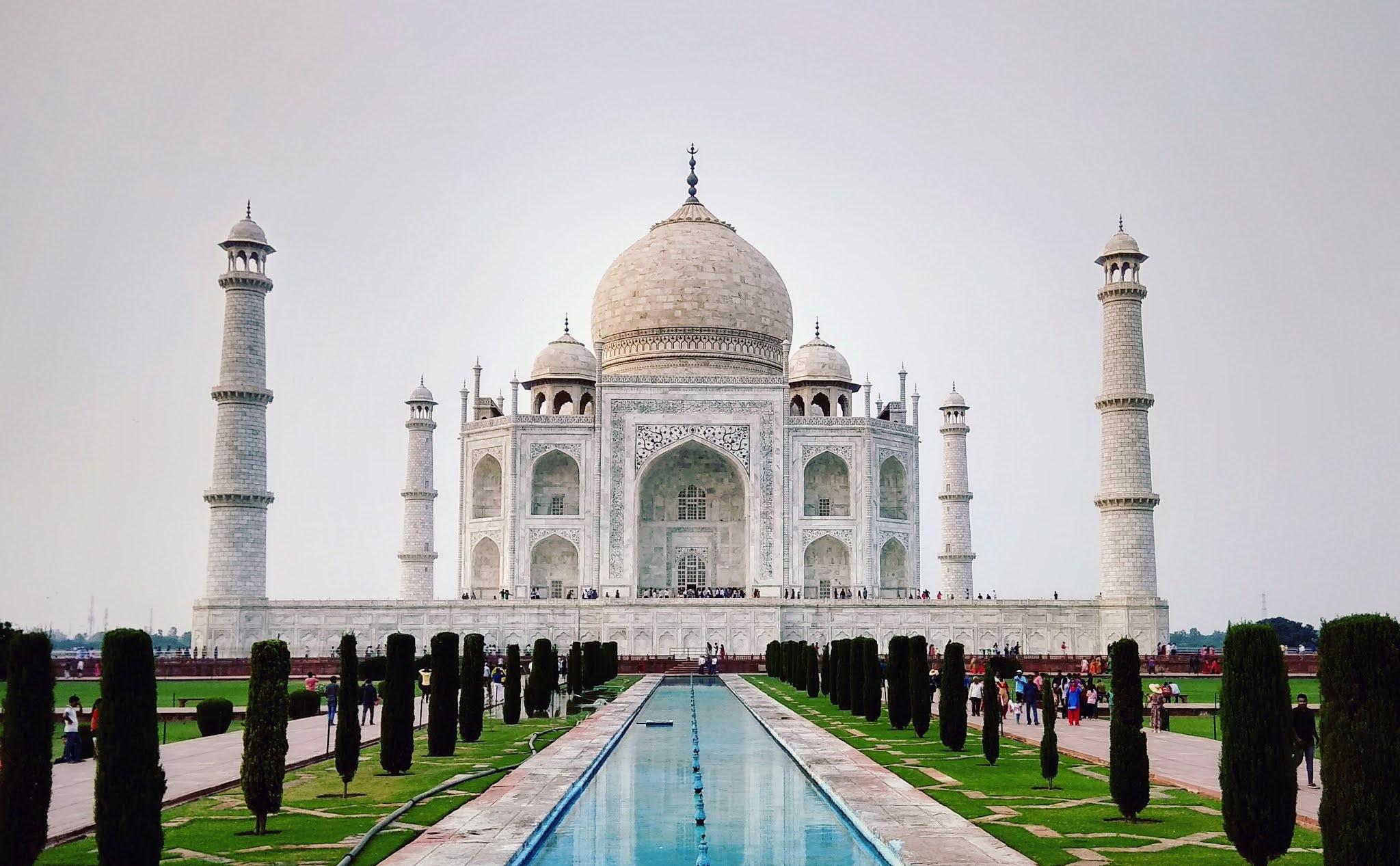 Taj Mahal | mausoleum, Agra, India | Britannica.com