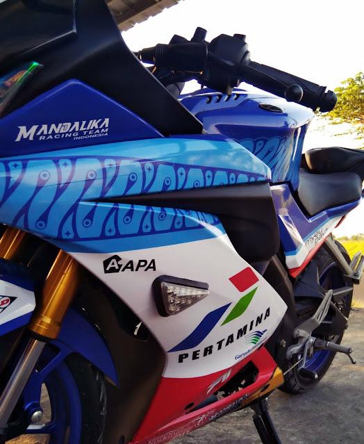 Tampil Racy Look, R15 V3 Modif Livery Mandalika Racing Team SAG