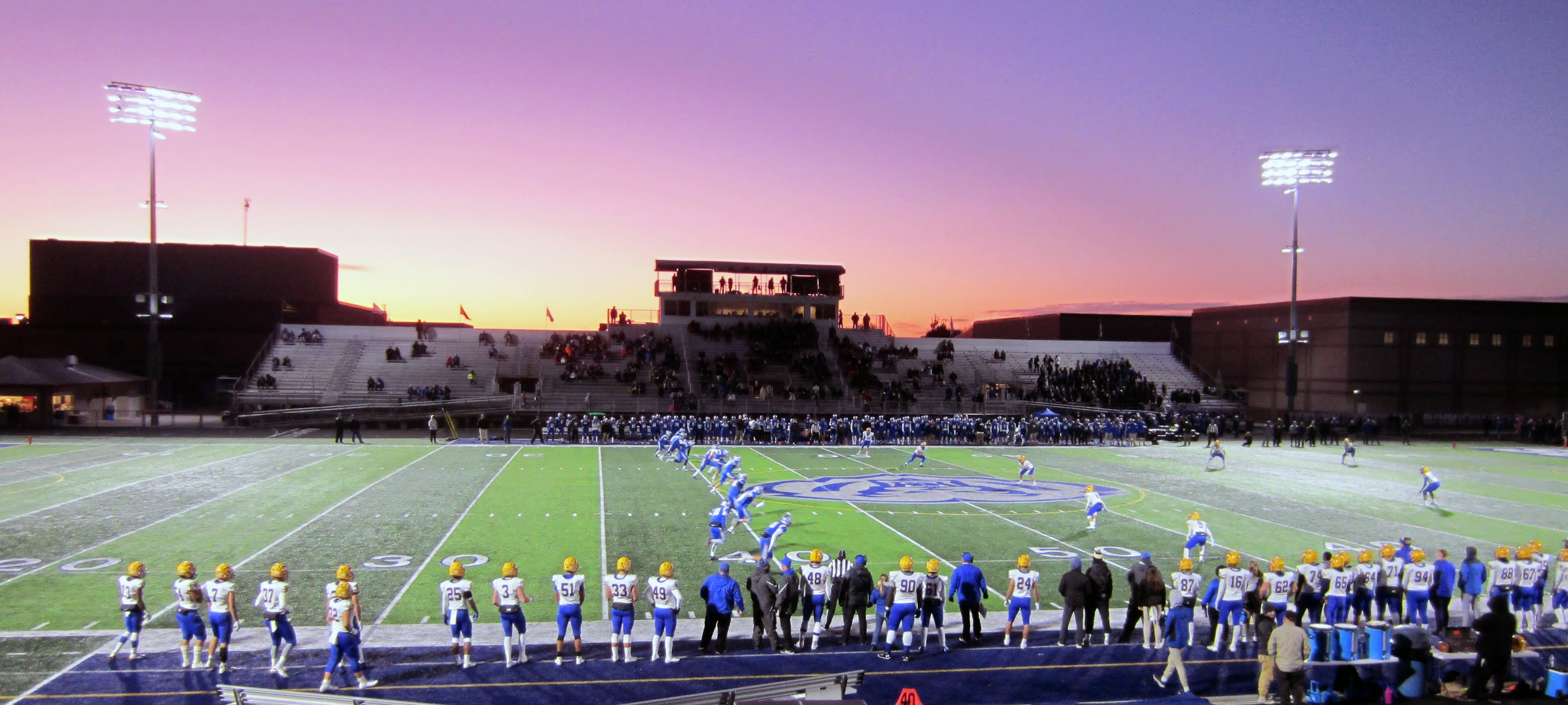 Kick off in the game between Hamilton Southeastern Royals and Carmel Greyhounds