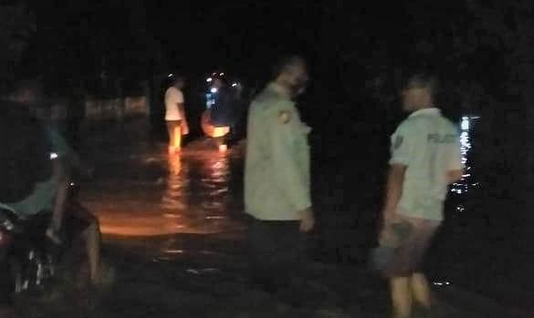 Tanggul Jebol, Banjir Bandang Genangi Ratusan Rumah di Sukamara Bulok