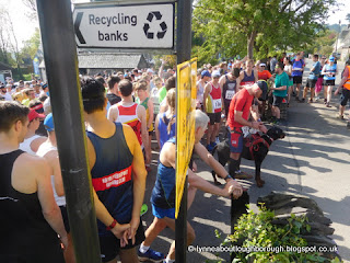 Throng of runners at the starting line