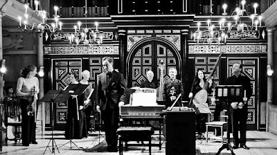 Jonathan Cohen and Arcangelo at an earlier concert at the Sam Wanamaker Playhouse - - photo credit Andrea Liu