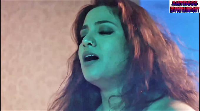 Kavita RadheShyam, Chandana Gowda sexy scene - Ashuddhi s01ep01-ep02 (2020) HD 720p