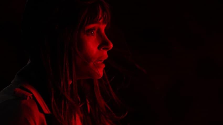 Появились первые кадры фильма ужасов Offseason от RLJE Films и Shudder - премьера в 2022 году - 05