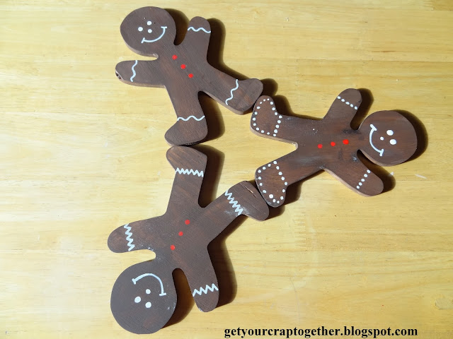 simple gingerbread man wreath tutorial