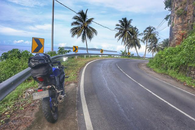 Pantai Krui Jalur Lintas Barat Sumatera