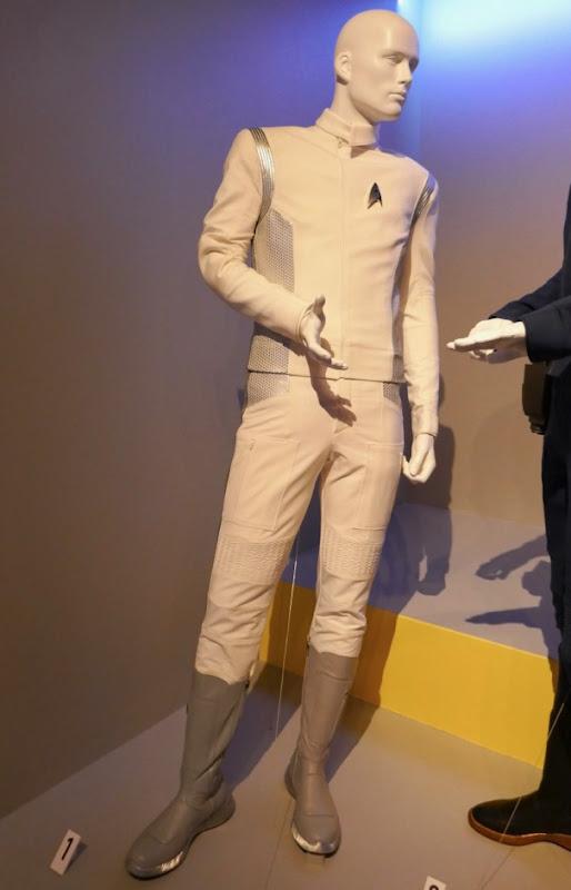Wilson Cruz Star Trek Discovery Dr Culber Starfleet uniform