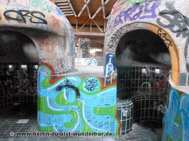 berliner luft und badeparadies blub 2 berlin du bist wunderbar unbekannte orte street art. Black Bedroom Furniture Sets. Home Design Ideas