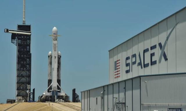 SpaceX : تزايد صعوبة مهمتها فى اطلاق رواد الفضاء بعد انفجار ابريل