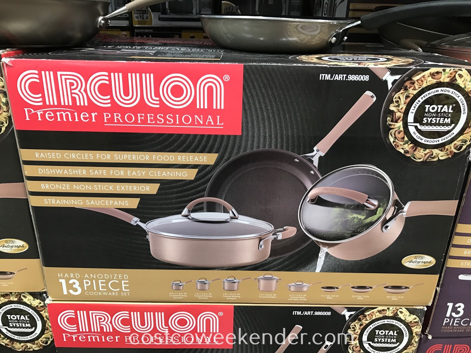 Easily prepare homemade meals for your family with the Circulon 13 piece Hard-Anodized Cookware Set