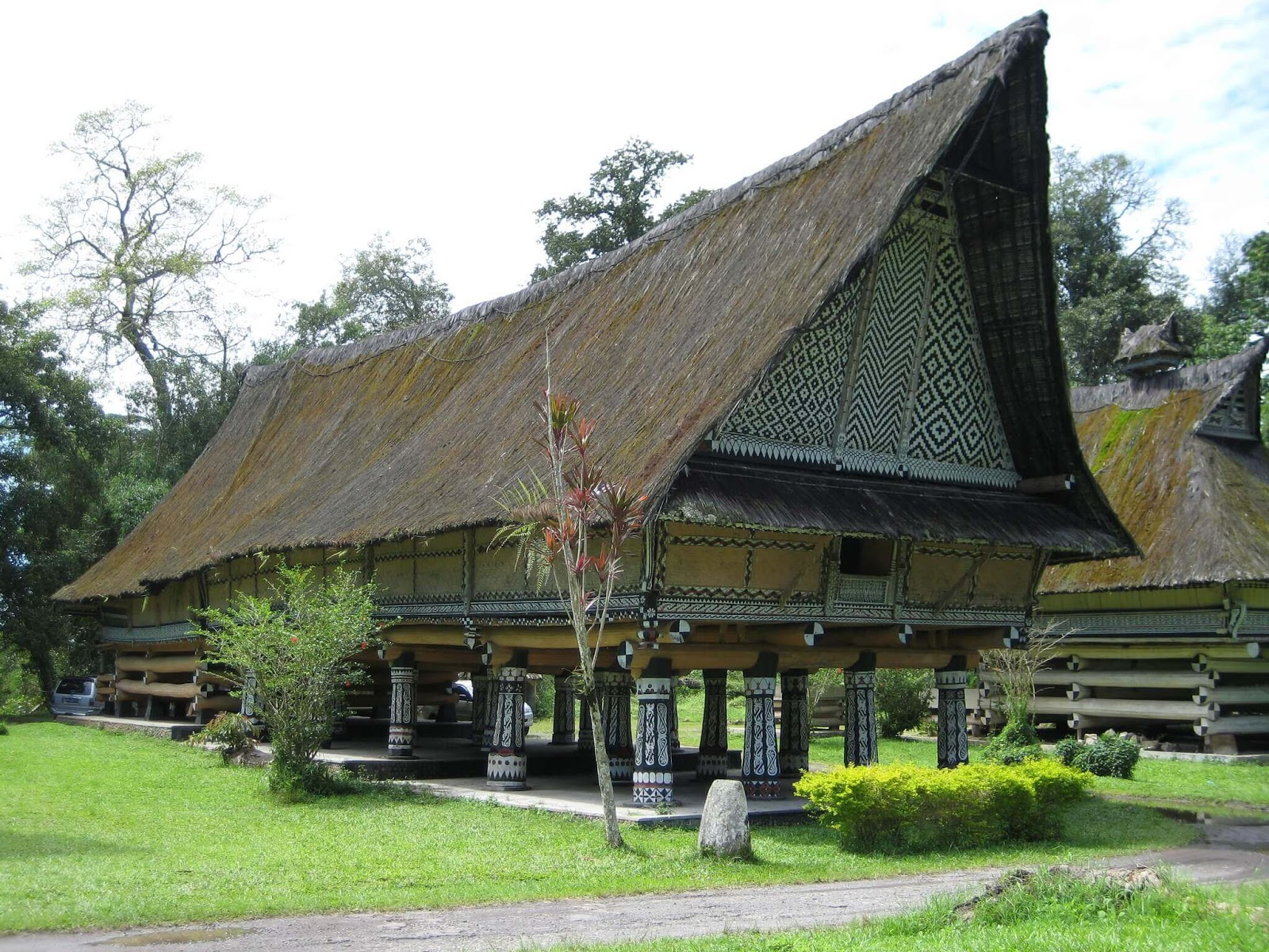 Rumah Bolon Rumah Adat Provinsi Sumatera Utara Parawisata Indonesia Tempat Wisata Indonesia Budaya Indonesia