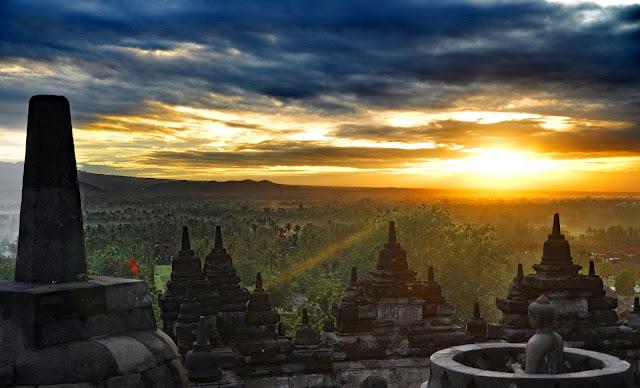 Wisata Jawa Tengah, borobudur, cirumanja, cirumanja.com, keraton solo